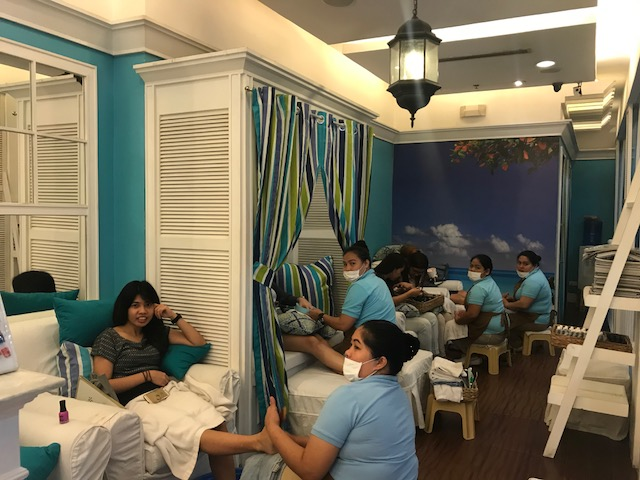 Nailaholics, national pampering day, real pampering, nail salon, free manicure, free foot spa, free foot massage, foot spa, foot massage, manicure