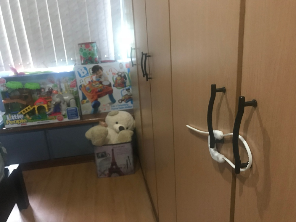 Childproofing, childproofing your home, babyproofing, child safety, childproofing products, child safety products, child safety Philippines, DreamBaby Philippines, DreamBaby products, DreamBaby child safety products, childproofing Philippines, child safety cover, child safety harness, child safety outlet cover, child safety cushion, child safety cabinet latches